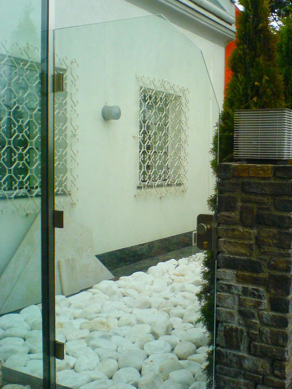 Versperrbare Glas-Gartentüre