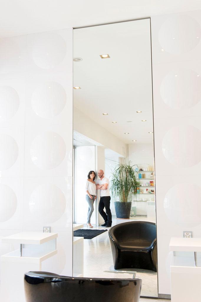 Glas-Spiegelkombination in Genfer Salon